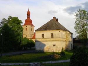 fara a kostel Nanebevzetí Panny Marie